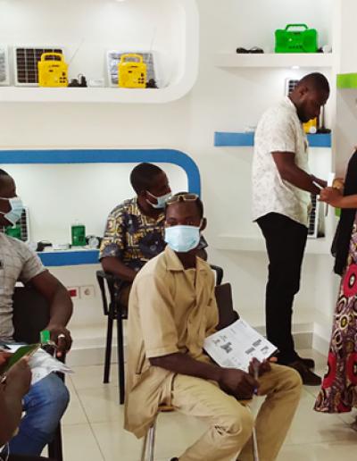 Rencontre Equipe Commerciale et Distributeurs Agrées de Kits solaires GIVO
